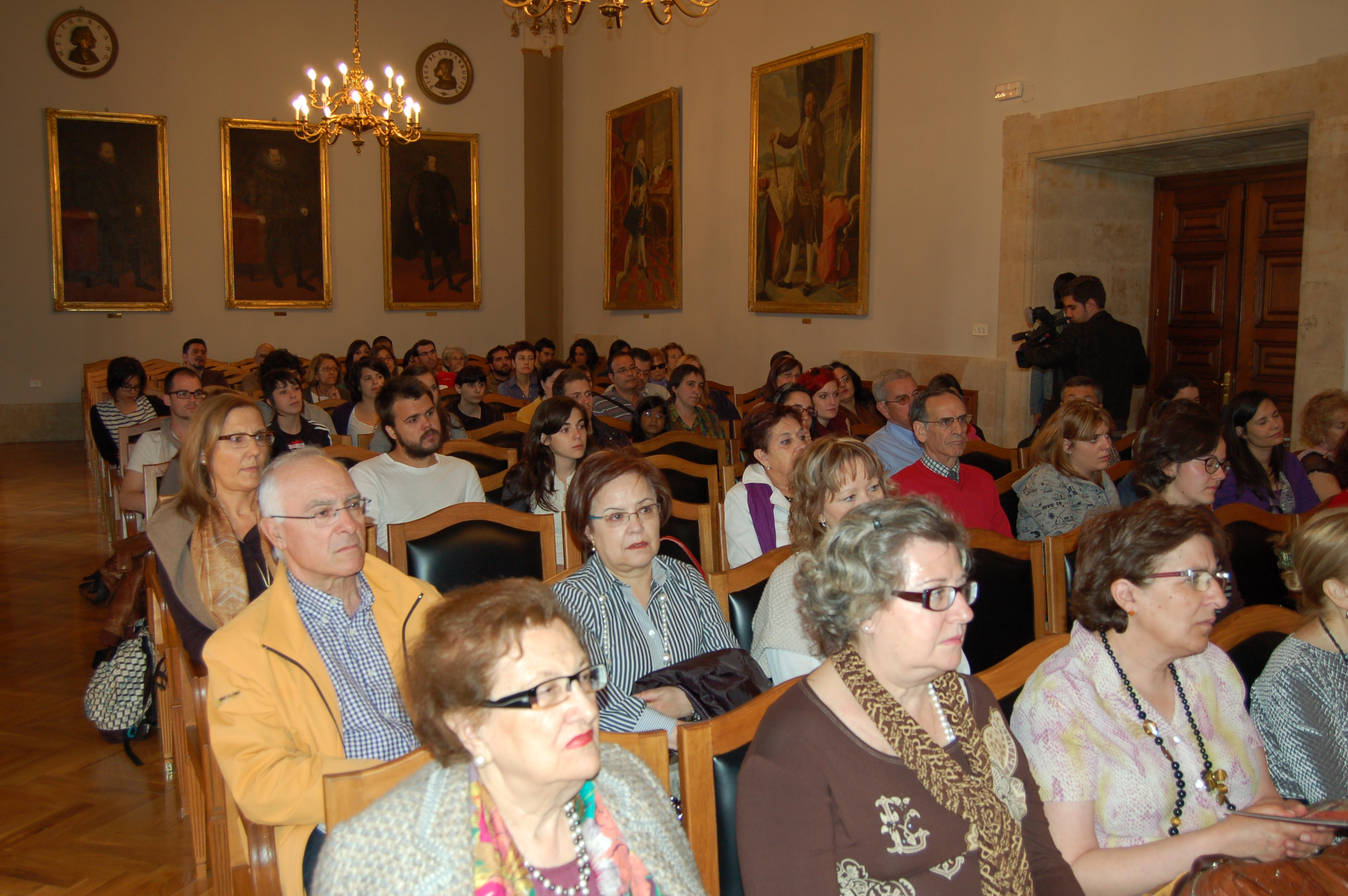 Coloquio sobre la Fundación Vicente Ferrer