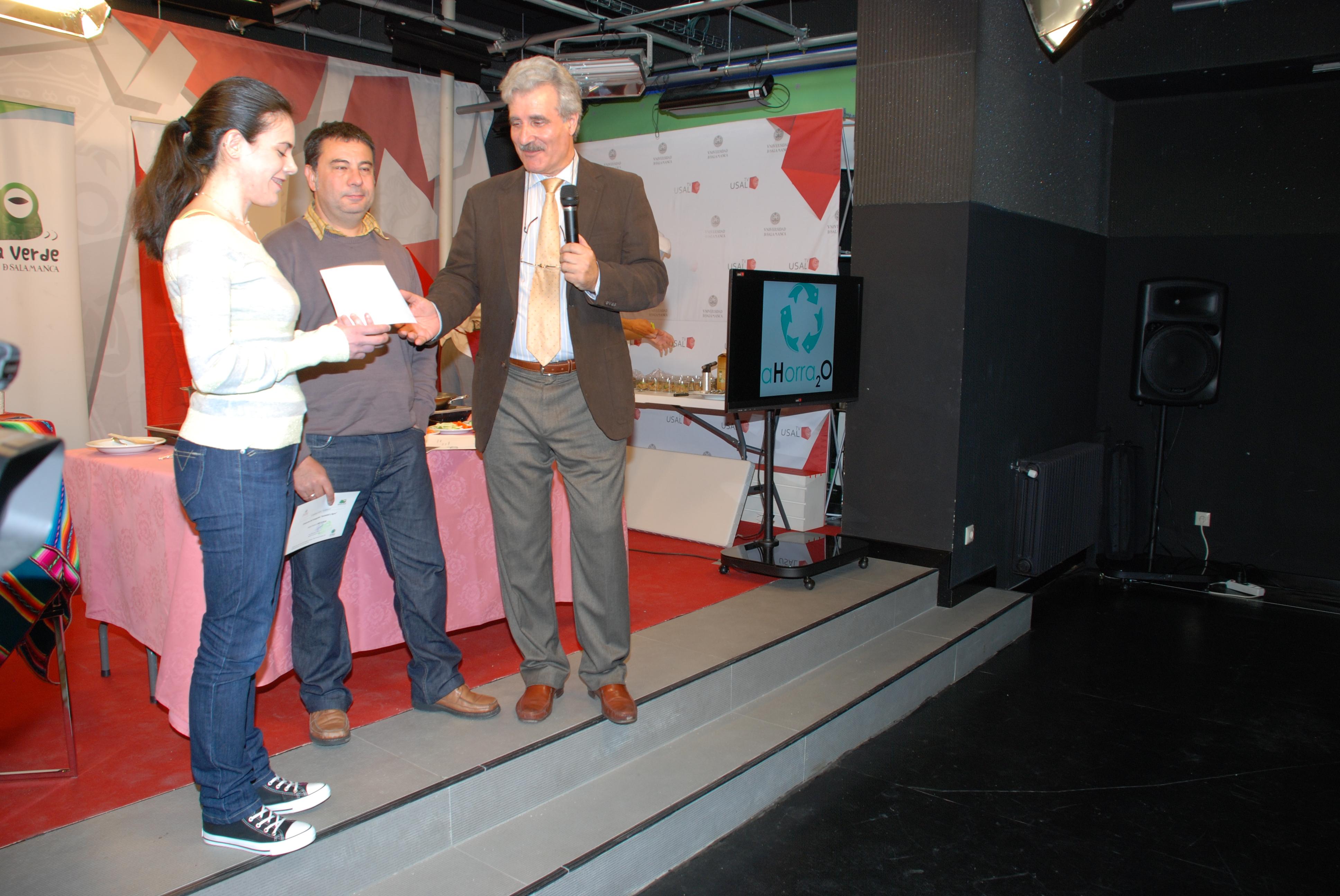 La oficina verde entrega los premios sociedad y agua de for Oficina correos salamanca
