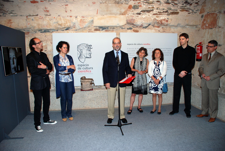 El Espacio de Cultura Científica de la Universidad se inaugura con la exposición de Juan Antonio Rodrígez y Bernat Millet sobre la poliomielitis en la Península Ibérica