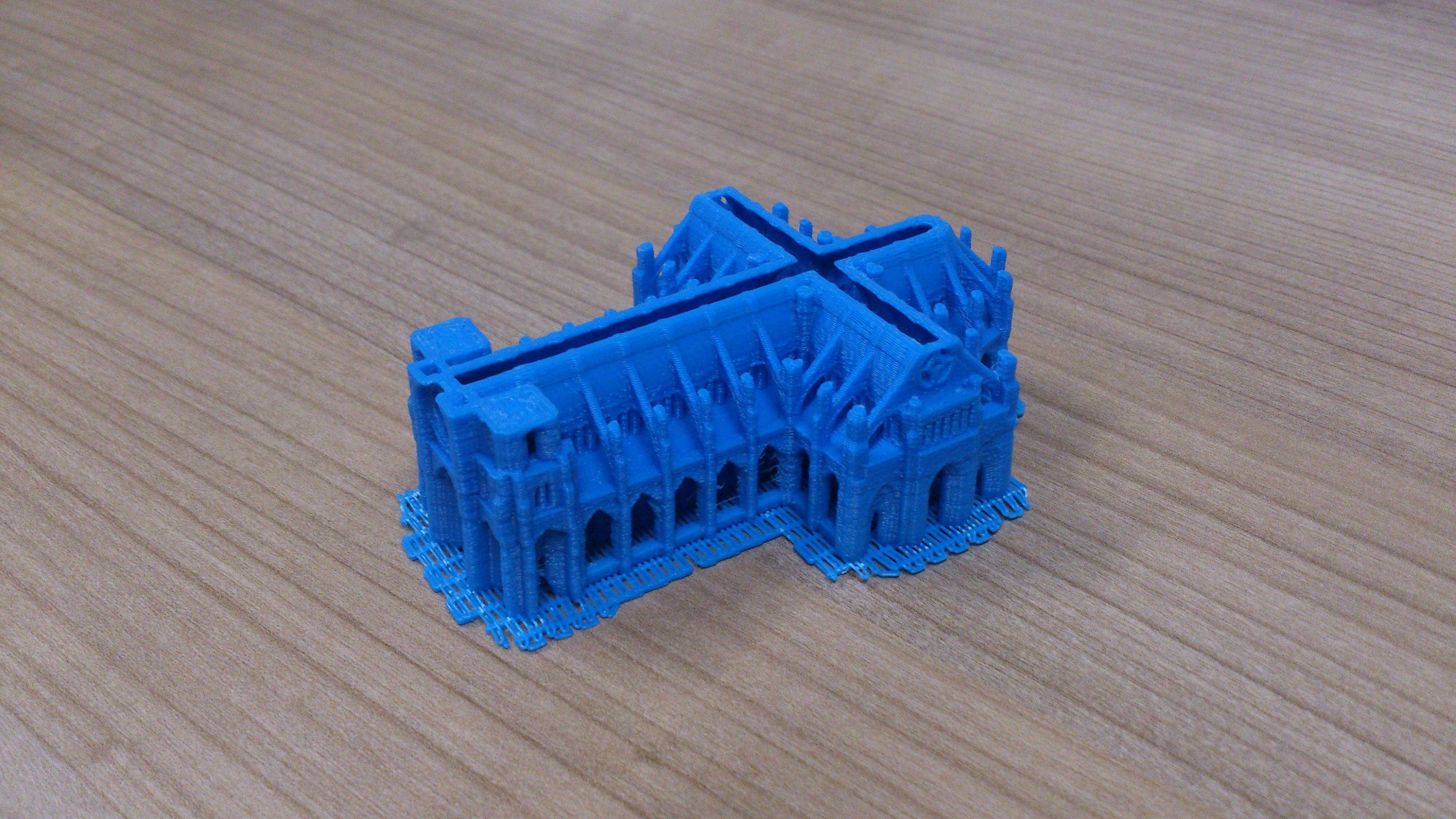 La empresa Enjoy Innovating, del Parque Científico de la Universidad, accede al mercado de la fabricación digital con una impresora 3D