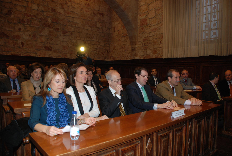 El rector, Daniel Hernández Ruipérez, asiste al homenaje que Derecho Administrativo tributa al profesor Enrique Rivero