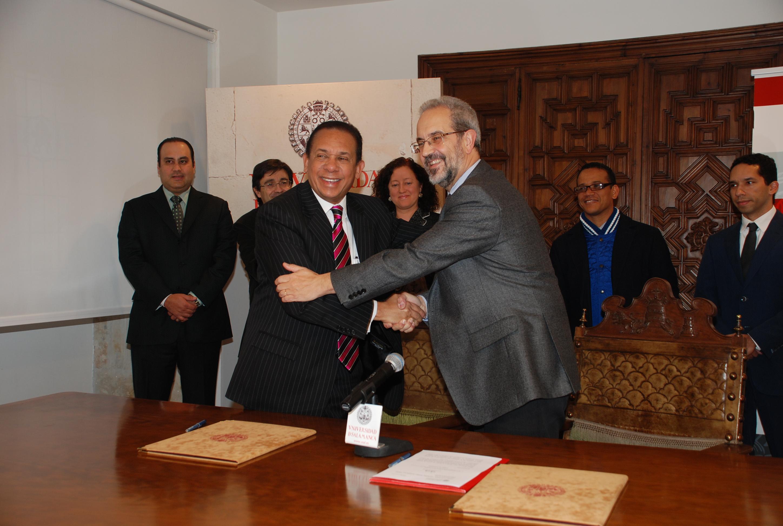 Firma de convenio entre la Universidad de Salamanca y Ministerio de Cultura de la República Dominicana