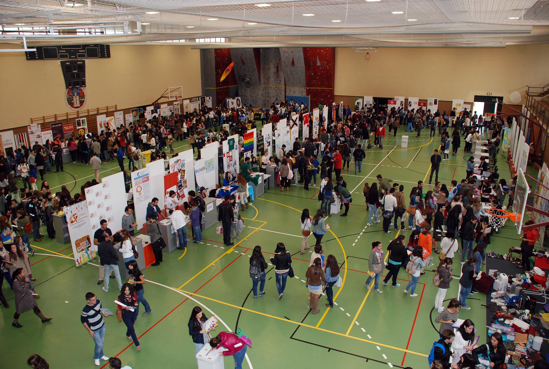 Más de 7.000 alumnos visitan la Feria de Bienvenida de la Universidad de Salamanca