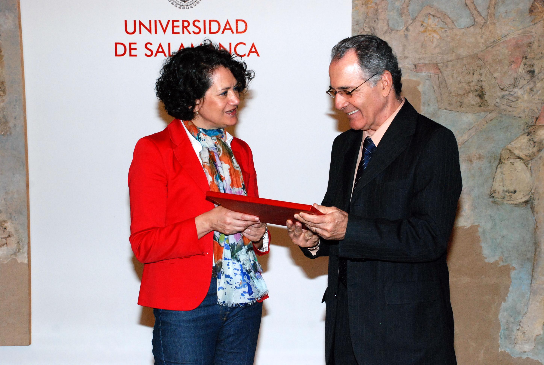 a vicerrectora de Investigación recibe al director de la Escuela Superior de Magistratura de Pernambuco