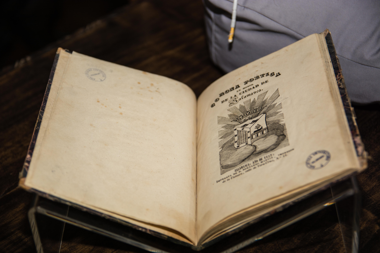 La Biblioteca General Histórica de la Universidad de Salamanca recibe varios libros antiguos de la colección de Manuel Andrino