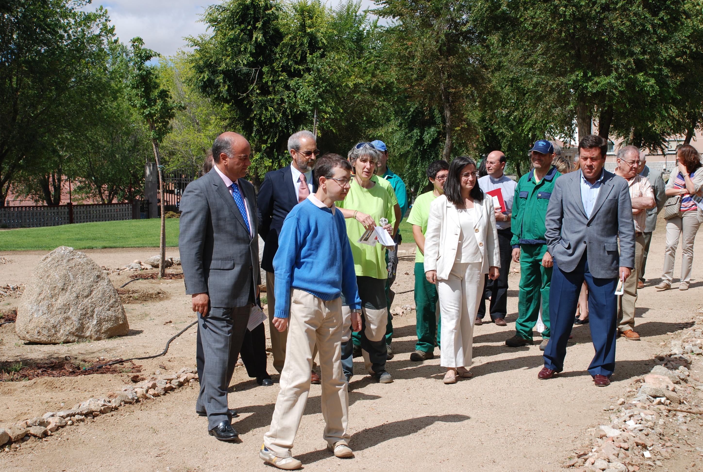El rector inaugura en Ávila el proyecto Arboreto