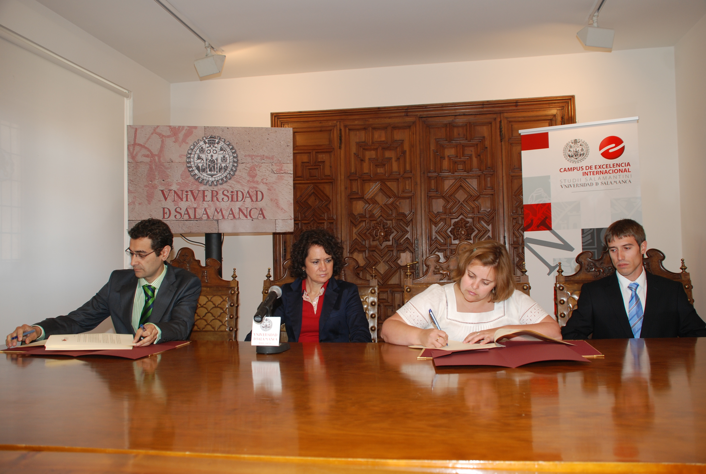 Firma del convenio entre el Parque Científico y Natur Futura