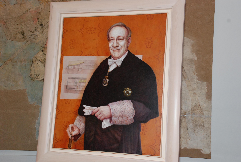 La Universidad de Salamanca presenta el retrato del exrector Enrique Battaner Arias realizado por el pintor salmantino Eusebio Sanblanco