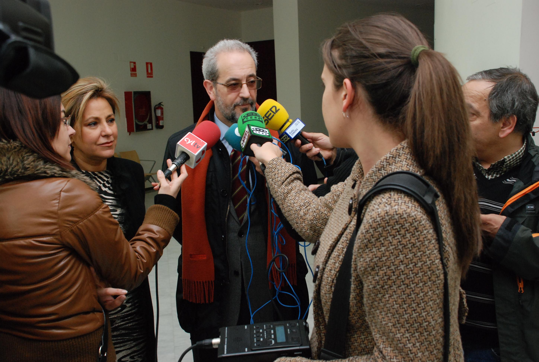 El rector de la Universidad de Salamanca en la inauguración del Museo Pedagógico