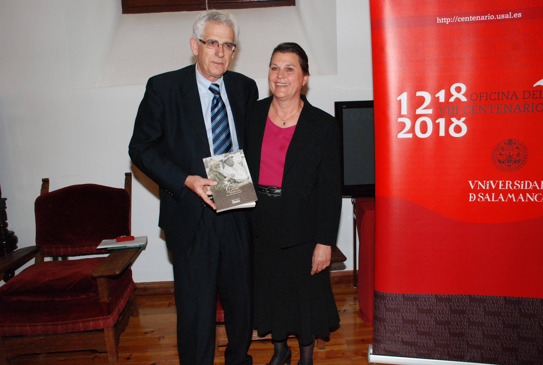 La Universidad de Salamanca reúne en un libro más de 300 cartas escritas por Miguel de Unamuno durante sus seis años de destierro