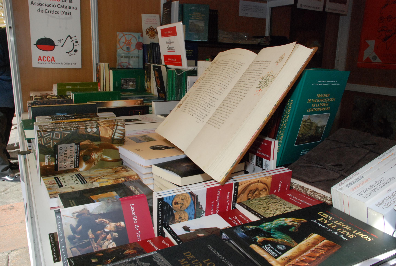Estand de Ediciones Universidad de Salamanca en la Feria del Libro