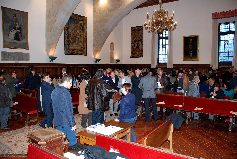 El Claustro de la Universidad de Salamanca celebra sesión ordinaria