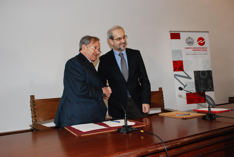 Saludo entre Daniel Hernández Ruipérez y José María Martín Patino