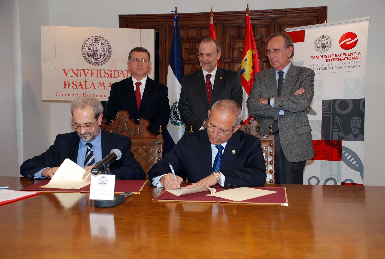 Firma de convenio de colaboración entre la Universidad de Salamanca y la Asamblea Legislativa de la República de El Salvador