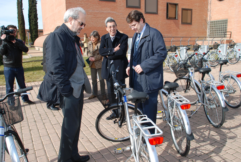 El Sistema de Préstamo de Bicicletas SALenBICI se amplía con las tres nuevas bases en los campus universitarios