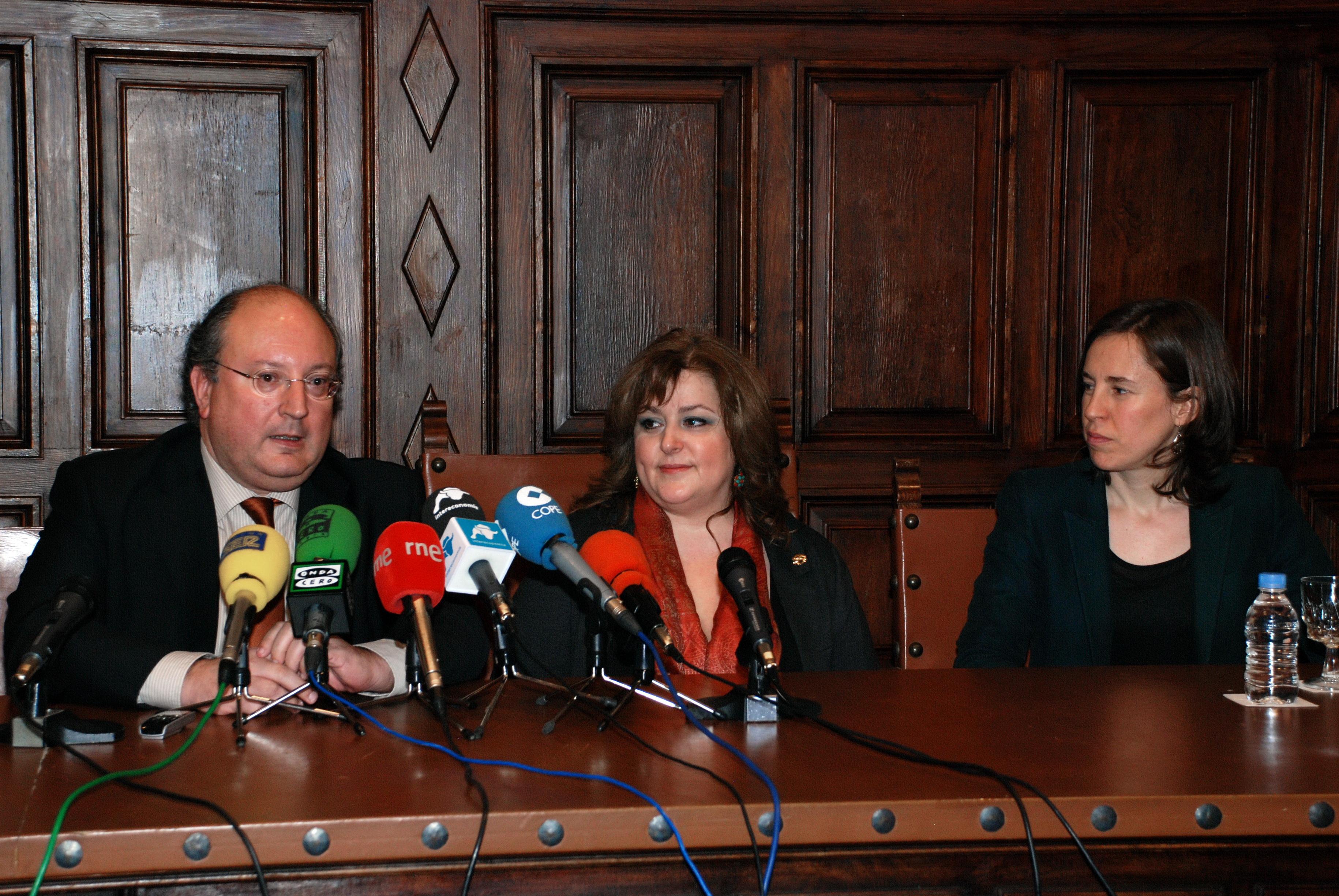 La presidenta del Consejo General del Trabajo Social analiza los efectos de la reforma de la Administración Local sobre los servicios sociales municipales