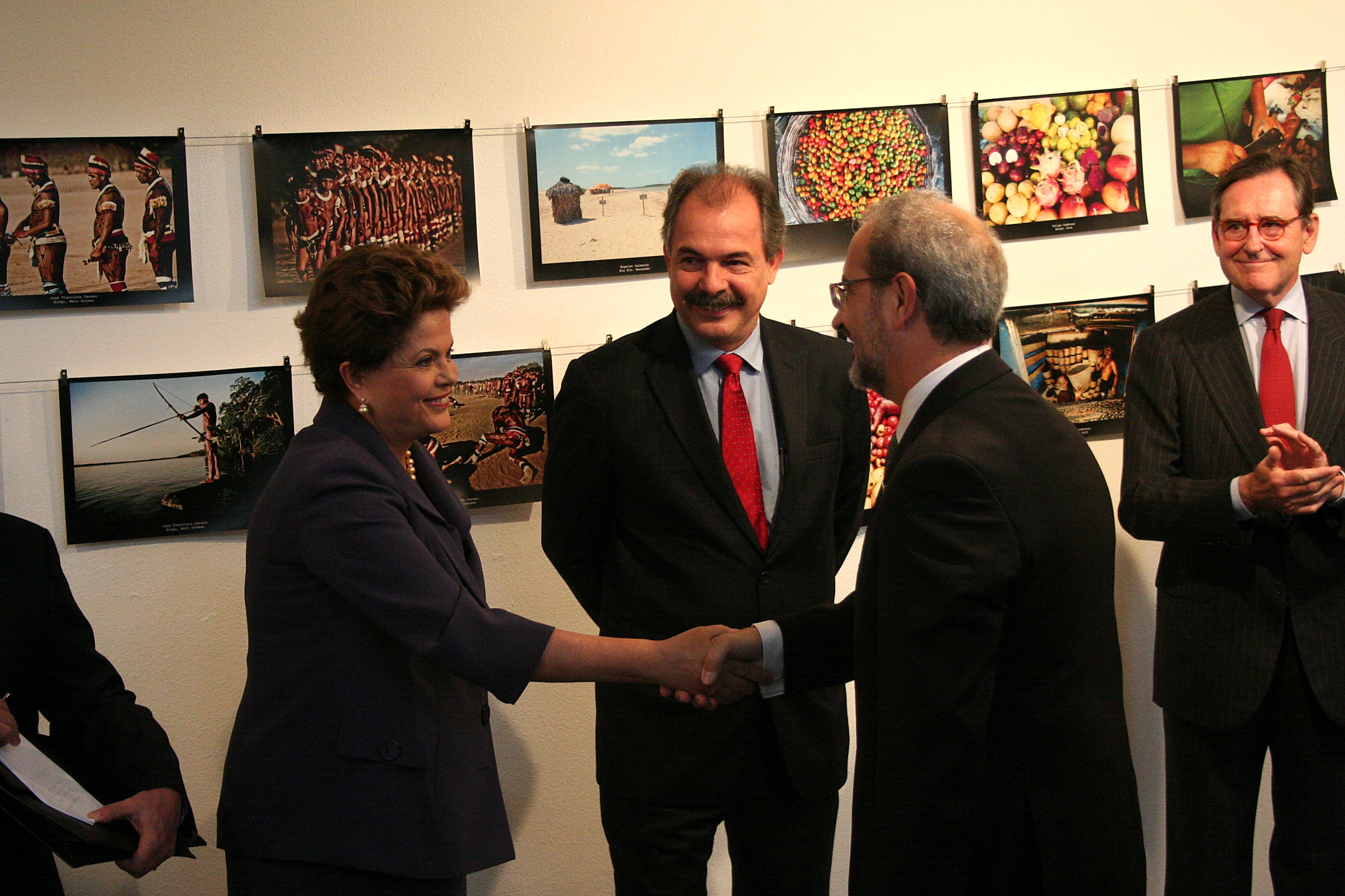 Firma del convenio entre la Universidad de Salamanca y el Ministerio de Educación de Brasil