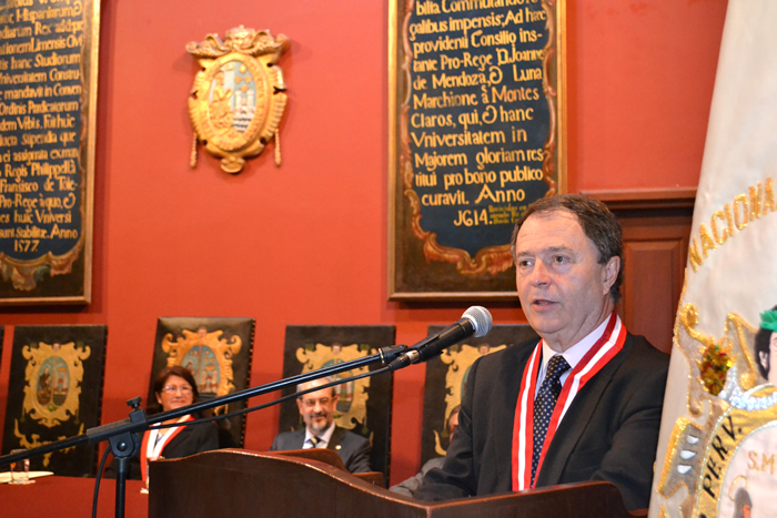 Manuel Carlos Palomeque, nombrado doctor honoris causa por la Universidad Nacional Mayor de San Marcos