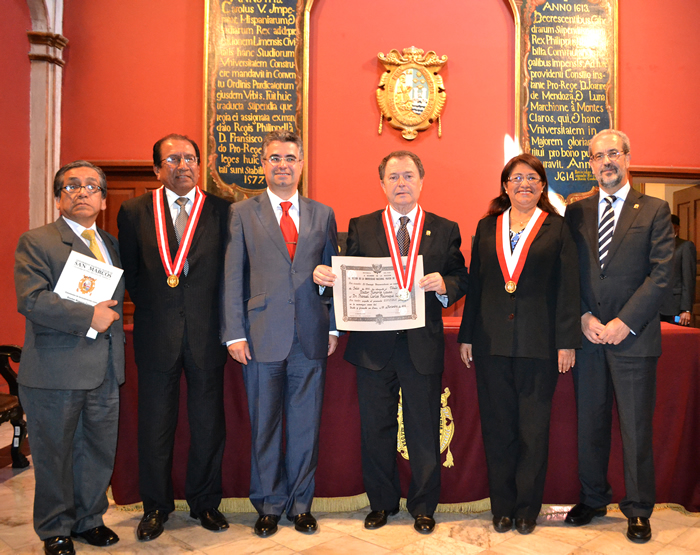 Manuel Carlos Palomeque, nombrado doctor honoris causa por la Universidad Nacional Mayor de San Marcos