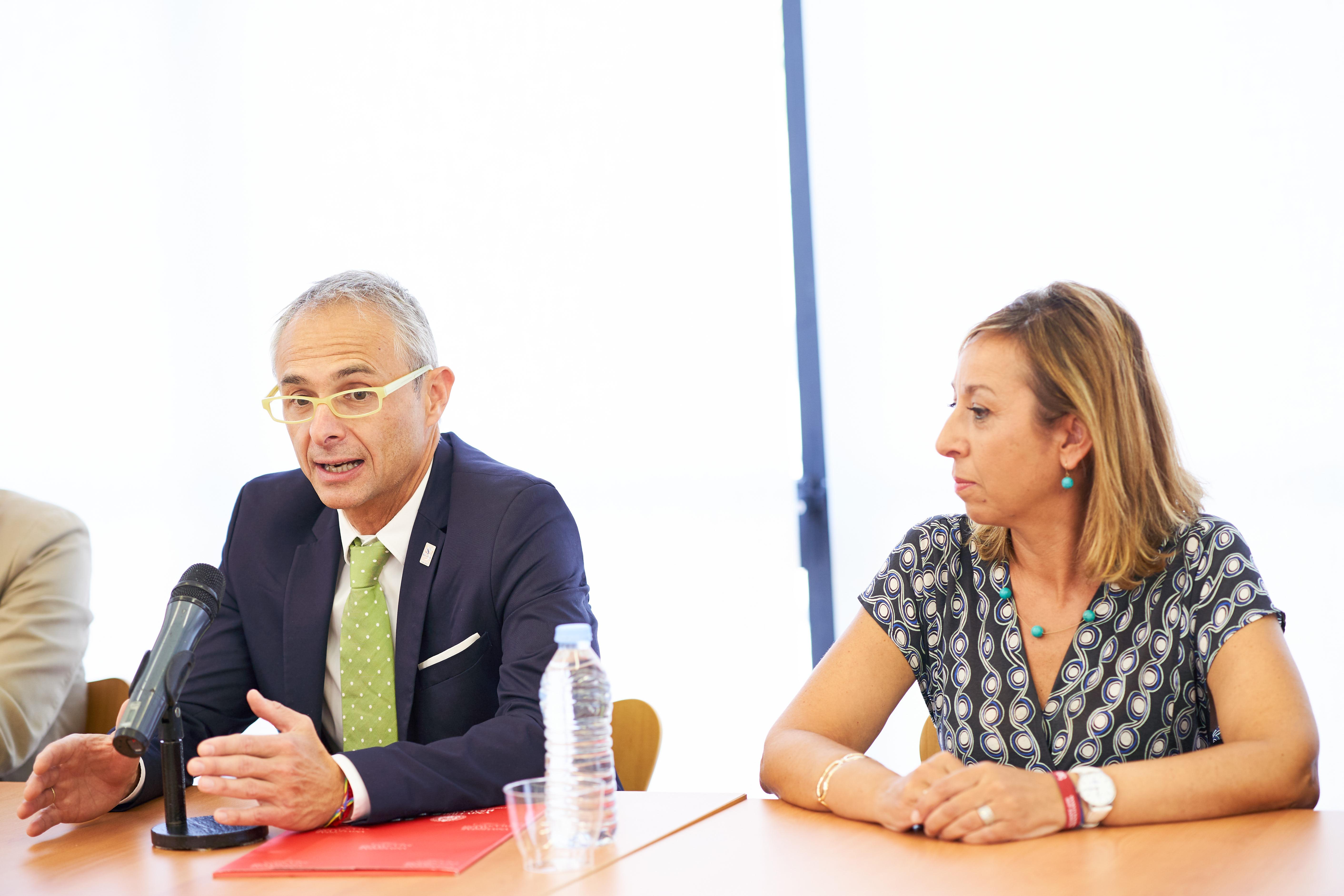 El rector y el presidente de la Diputación presentan los resultados de la III convocatoria de los proyectos de investigación orientados al sector primario 0011.jpg