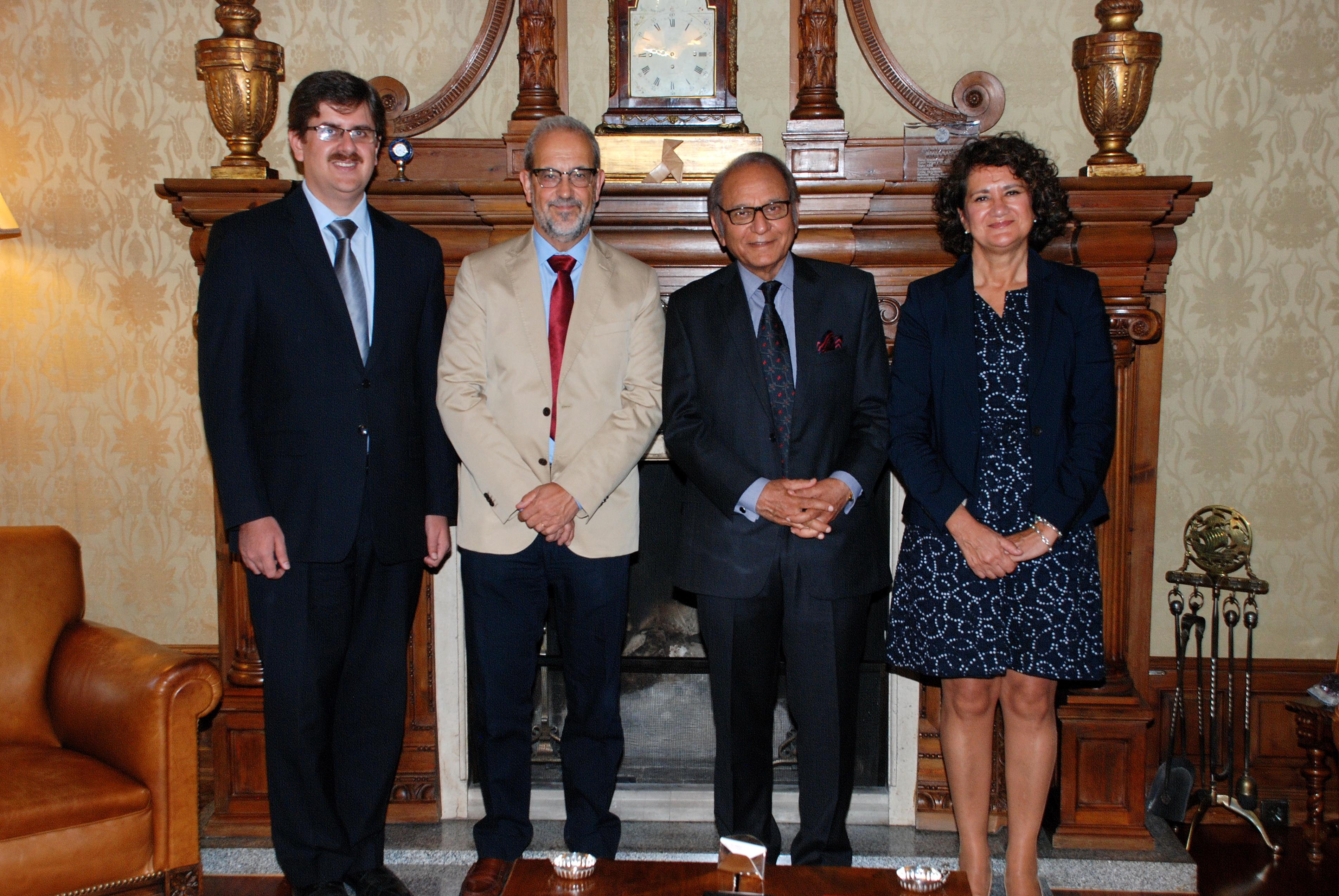 El rector recibe al embajador de Pakistán en España