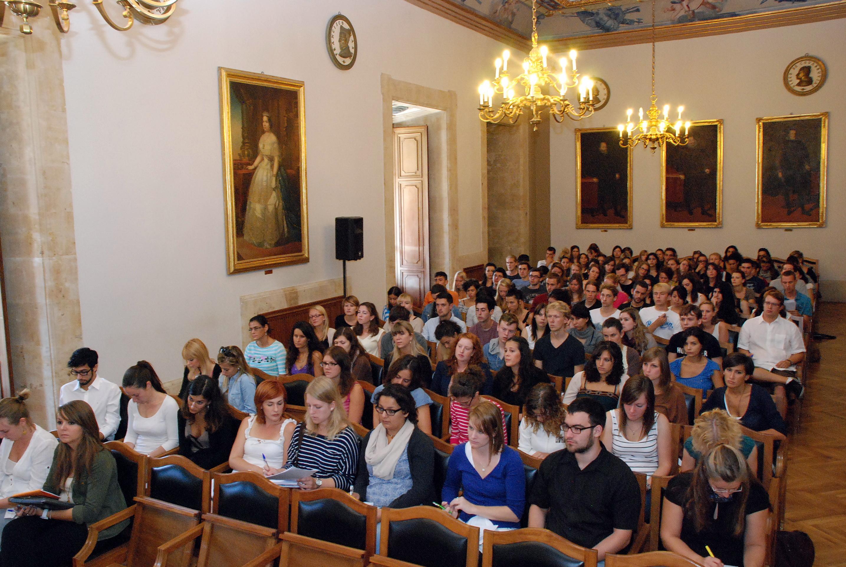 La Facultad de Filología recibe a sus alumnos Erasmus