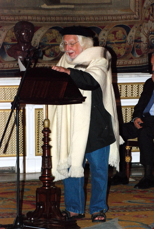 Ernesto Cardenal identifica poesía y amor al recibir el XXI Premio Reina Sofía de Poesía Iberoamericana