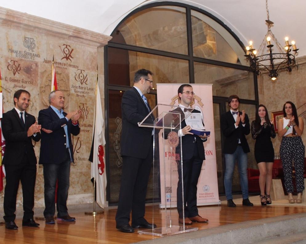 La Asociación de Antiguos Colegiales entrega su premio en el marco de la inauguración del curso del Colegio Mayor