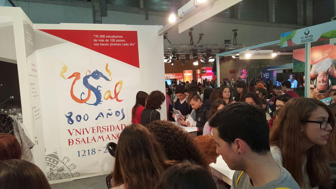 La Universidad de Salamanca presenta su amplia oferta formativa en la Feria AULA