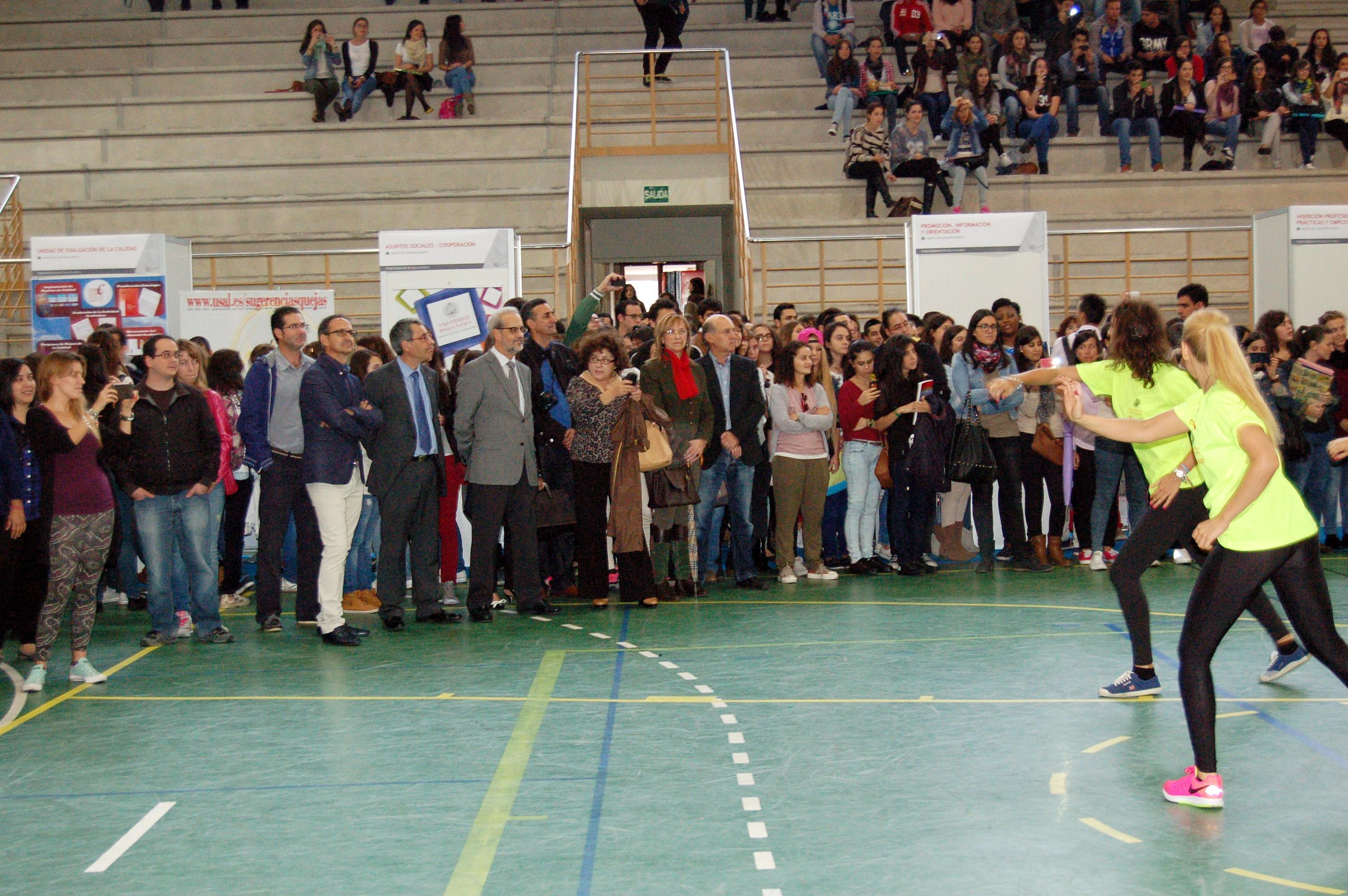 La Feria de Bienvenida del Campus de Zamora despierta gran interés entre los estudiantes