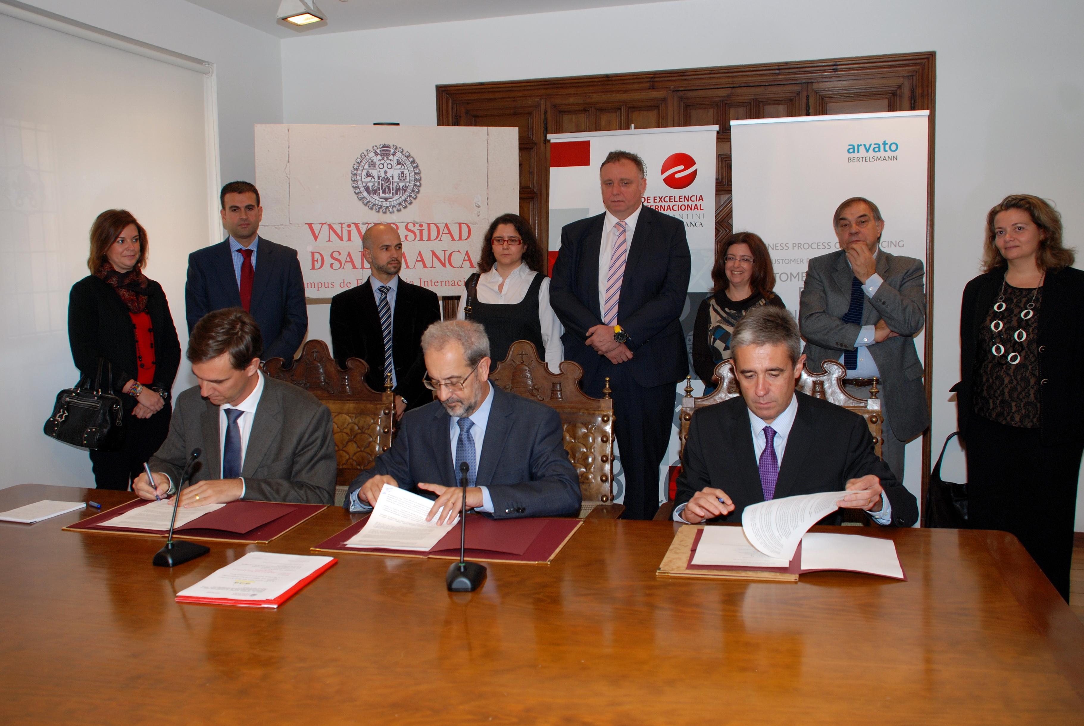 Las universidades de Salamanca y Santo Tomás de Bucaramanga de Colombia y la empresa Arvato crean un programa de intercambio académico y de prácticas laborales