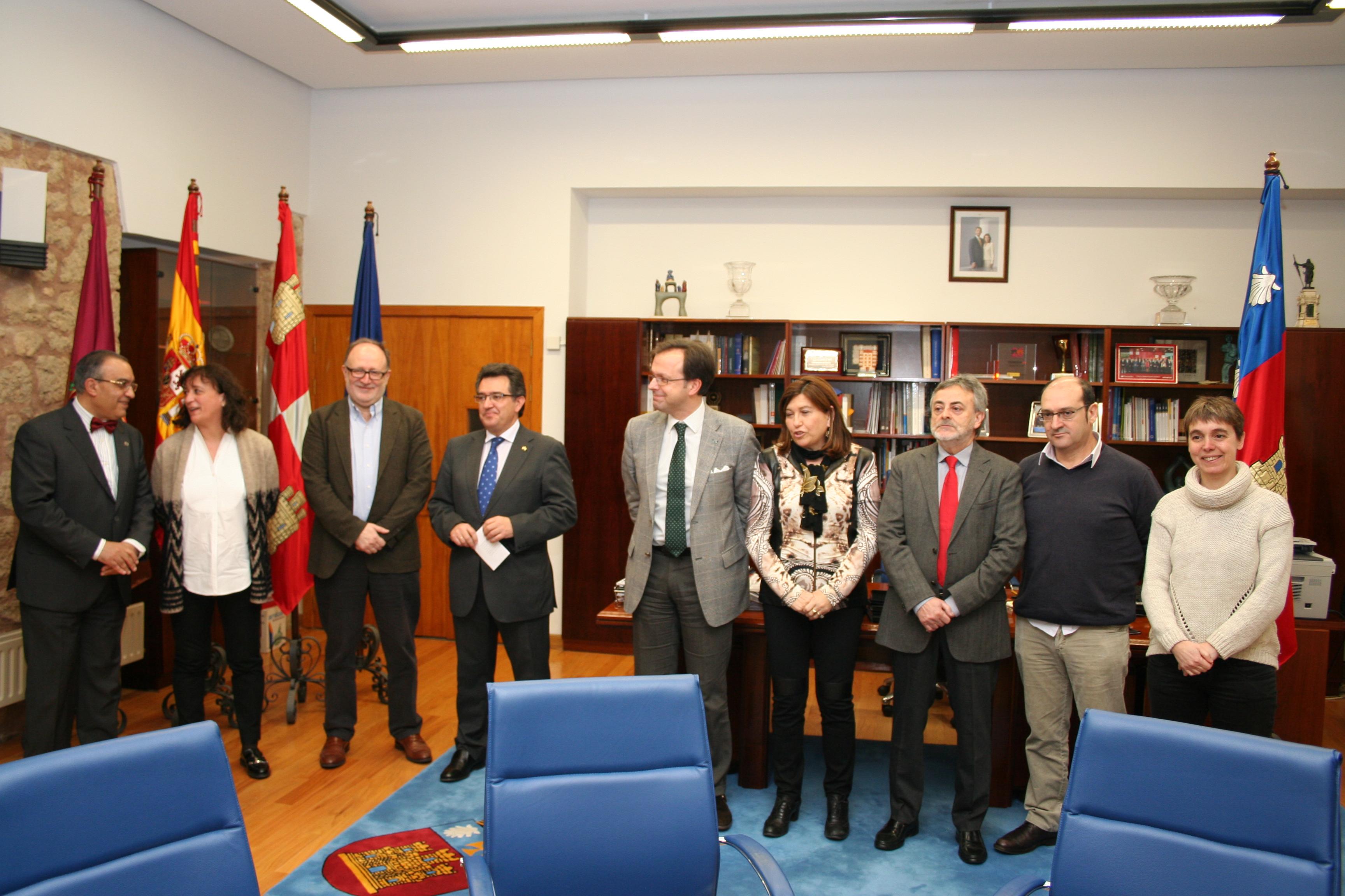 Las universidades públicas de Castilla y León suscriben el convenio colectivo del PDI Laboral
