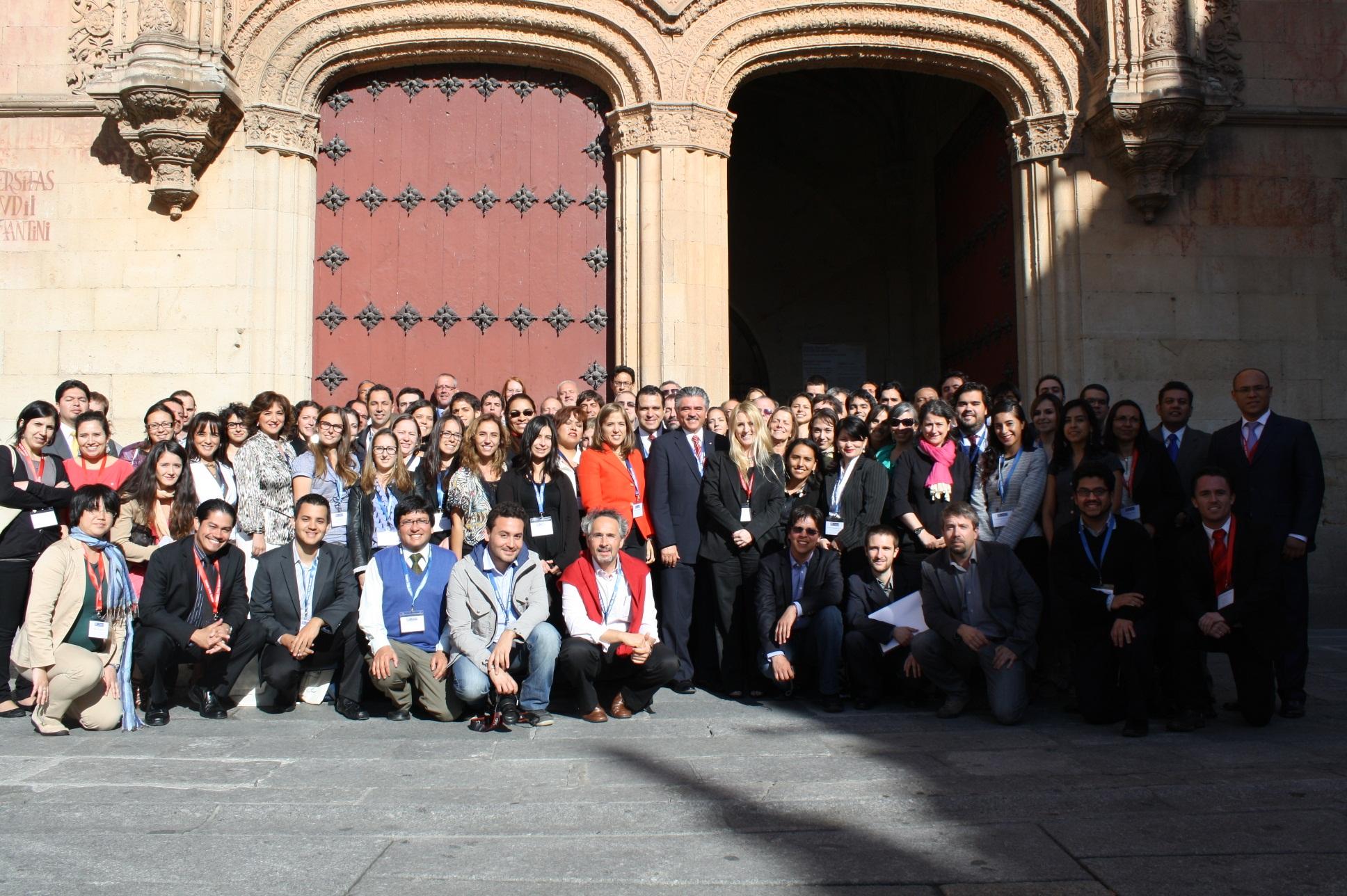 Foto de Familia de los participantes en la Escuela de Observación Electoral