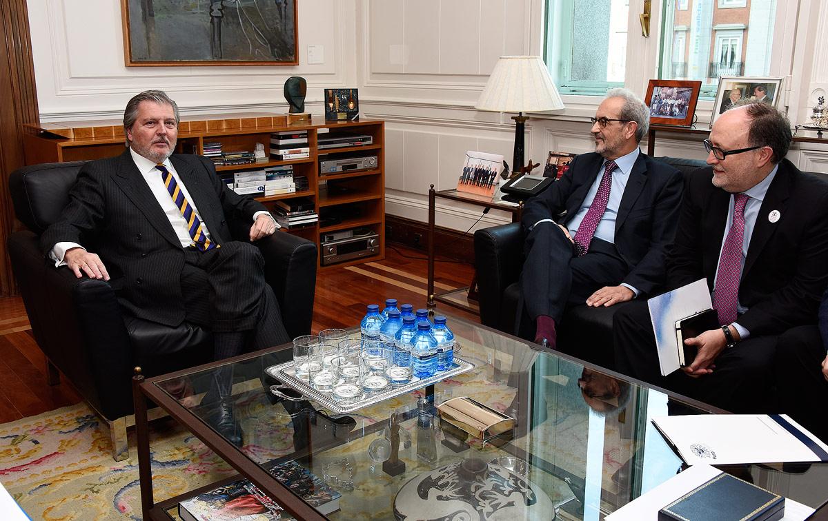 El ministro de Educación y el rector de la Universidad de Salamanca estudian las acciones de la conmemoración del VIII Centenario