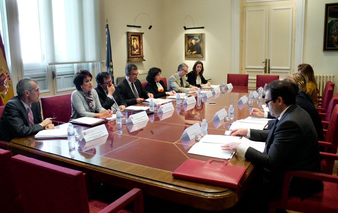 La Comisión Ejecutiva para la conmemoración del VIII Centenario de la Universidad de Salamanca aprueba el manual de aplicación de la marca