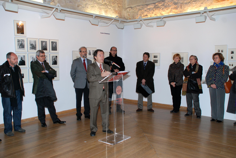 La Universidad de Salamanca muestra las múltiples facetas de Miguel de Unamuno a través de una nueva exposición fotográfica