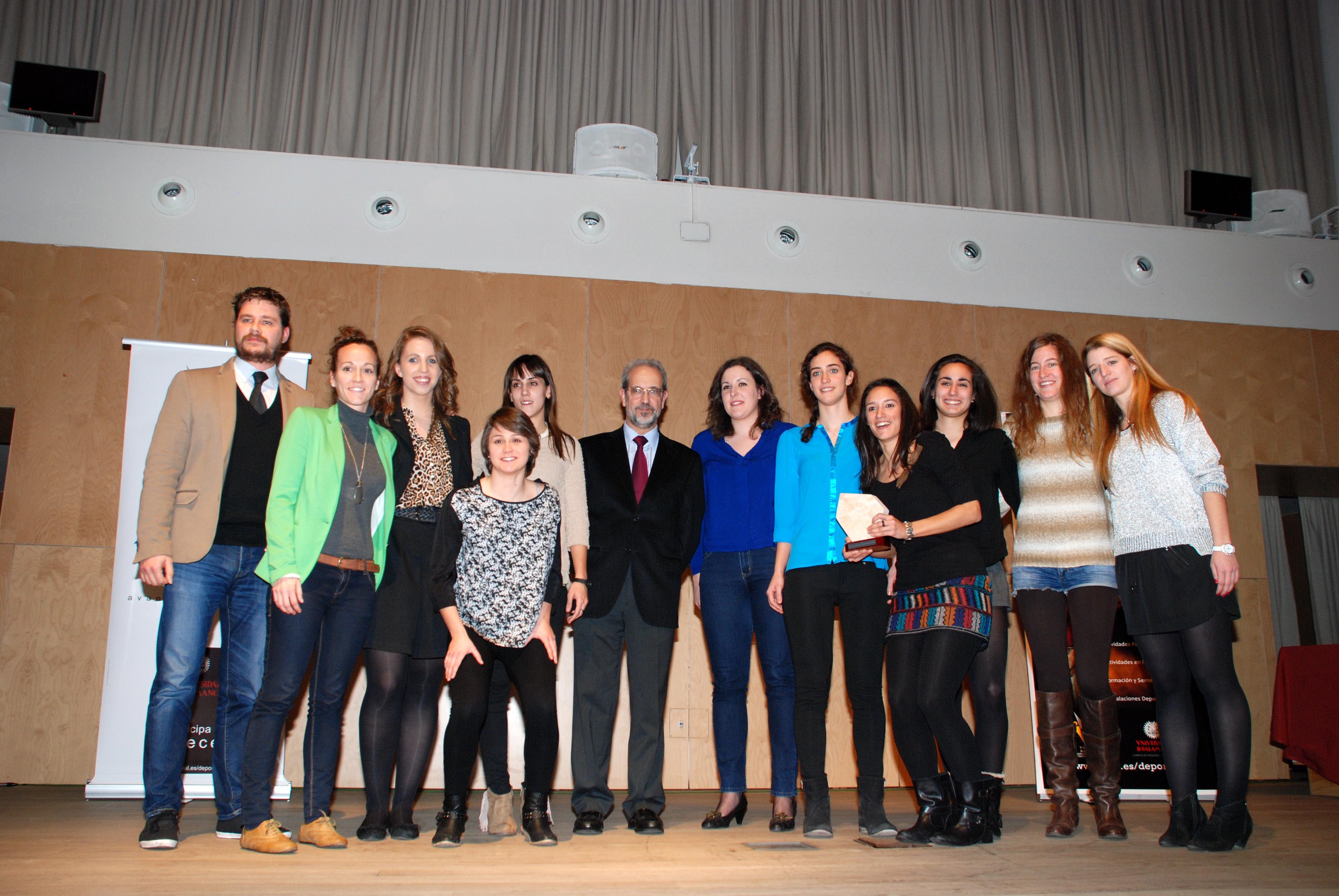 El equipo de Baloncesto femenino, Elena Melodie Fernández y Manuel García, mejores deportistas universitarios