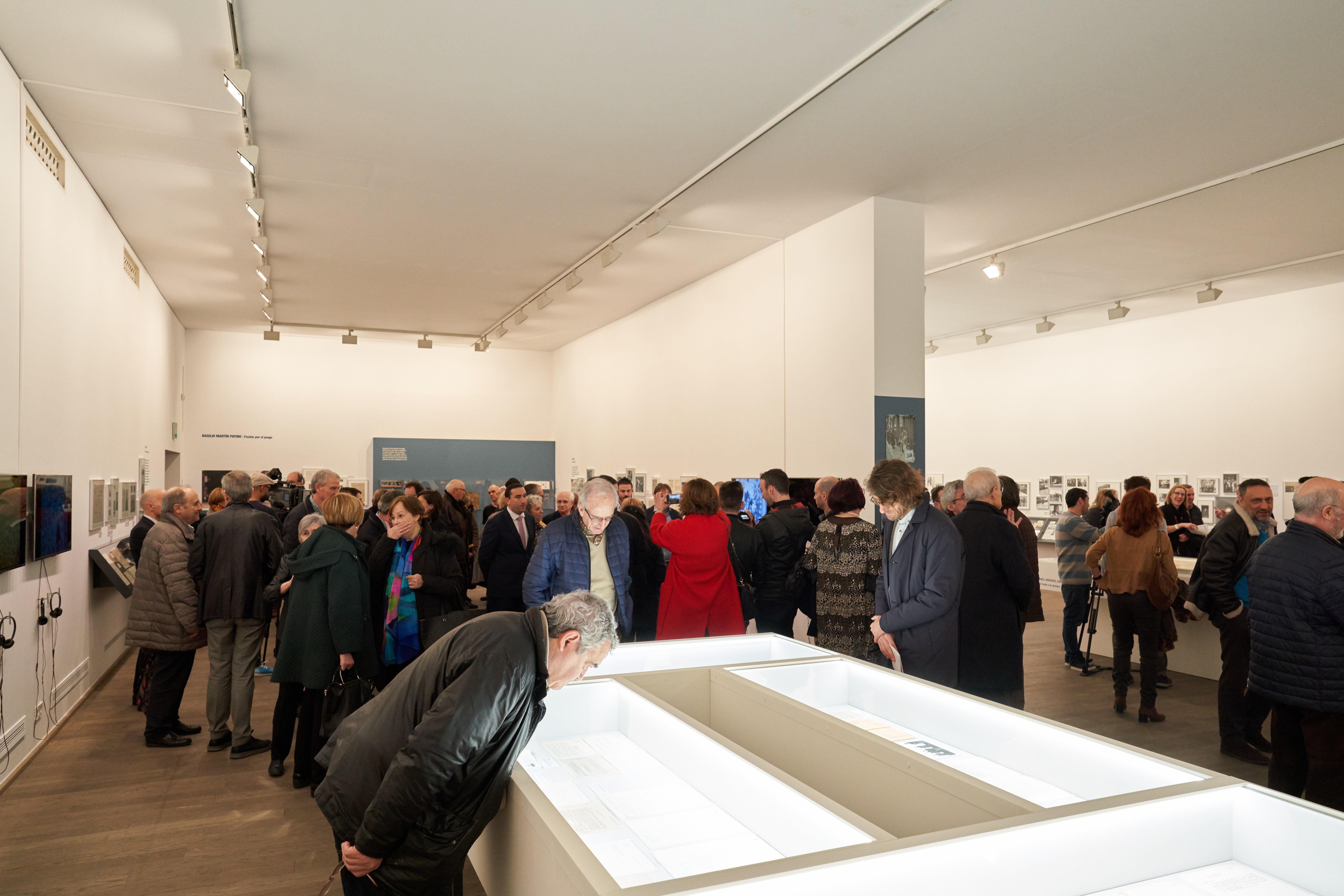 La Universidad de Salamanca revisa a través de una exposición la trayectoria vital y profesional del cineasta Basilio Martín Patino
