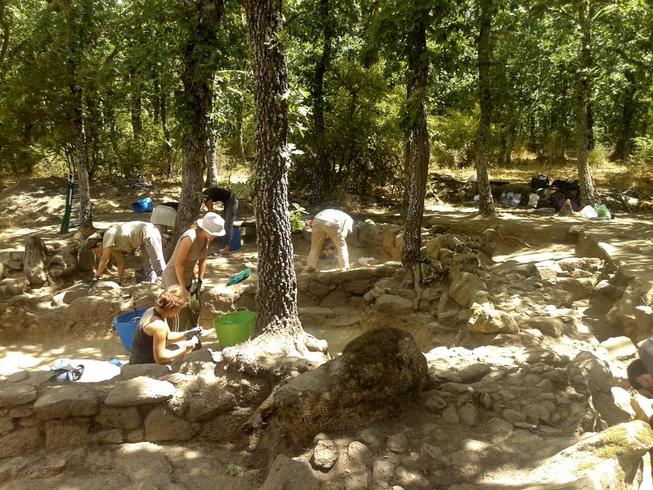 La campaña de la Universidad de Salamanca en el yacimiento de 'La Genestosa' confirma la existencia de una ocupación romana altoimperial de los siglos I-II d.C