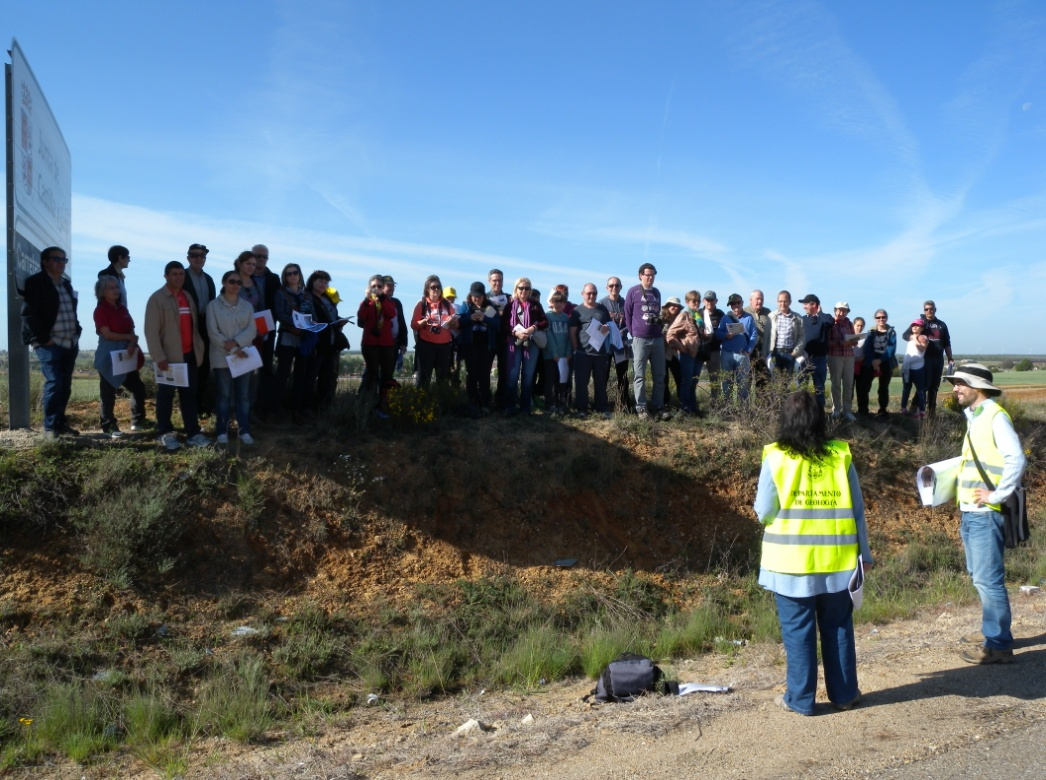 Medio centenar de personas recorren los alrededores de Peñausende en la iniciativa de divulgación 'Geolodía 15- Zamora'