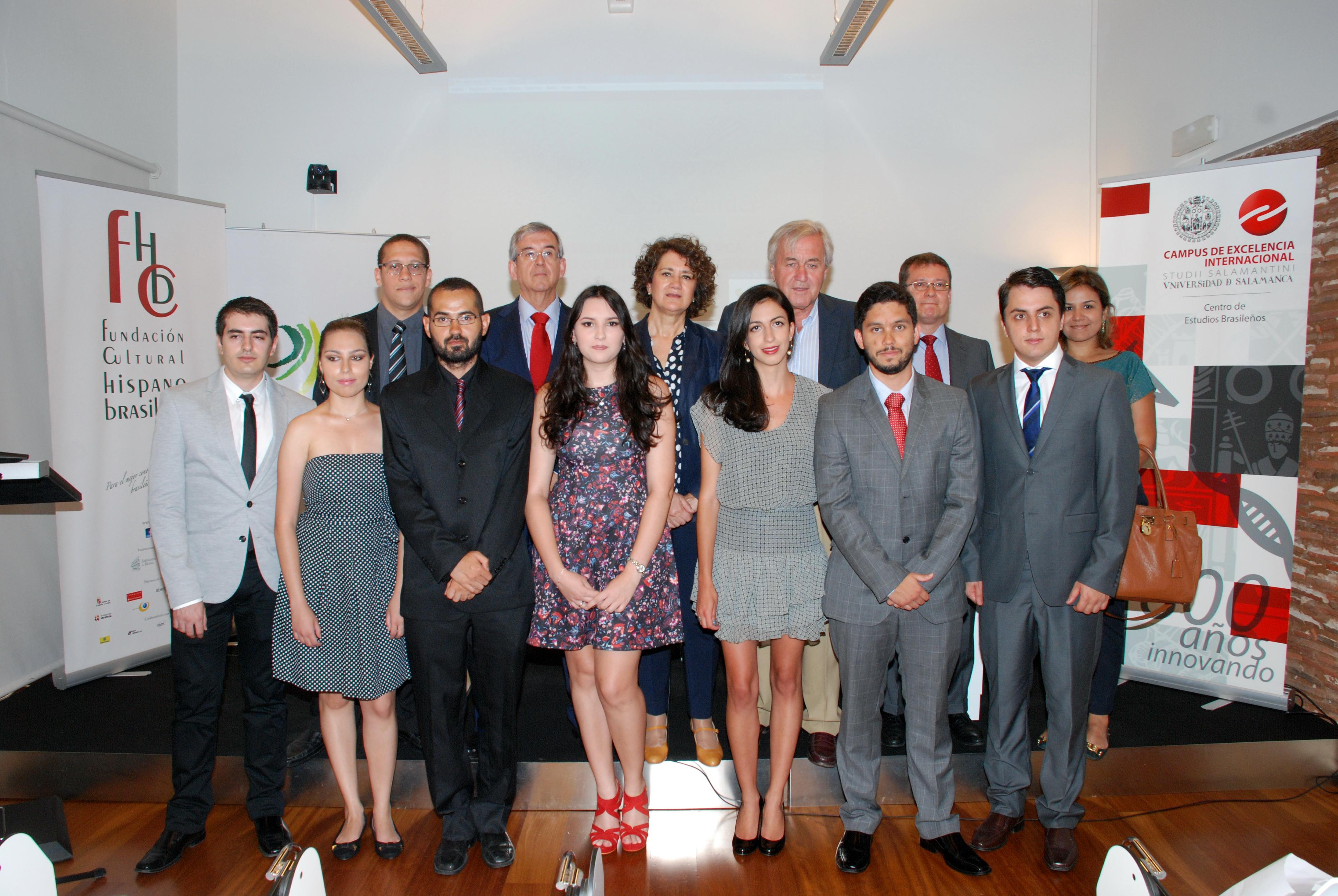 El Centro de Estudios Brasileños acoge el acto de entrega de bandas a los estudiantes del programa PROUNI