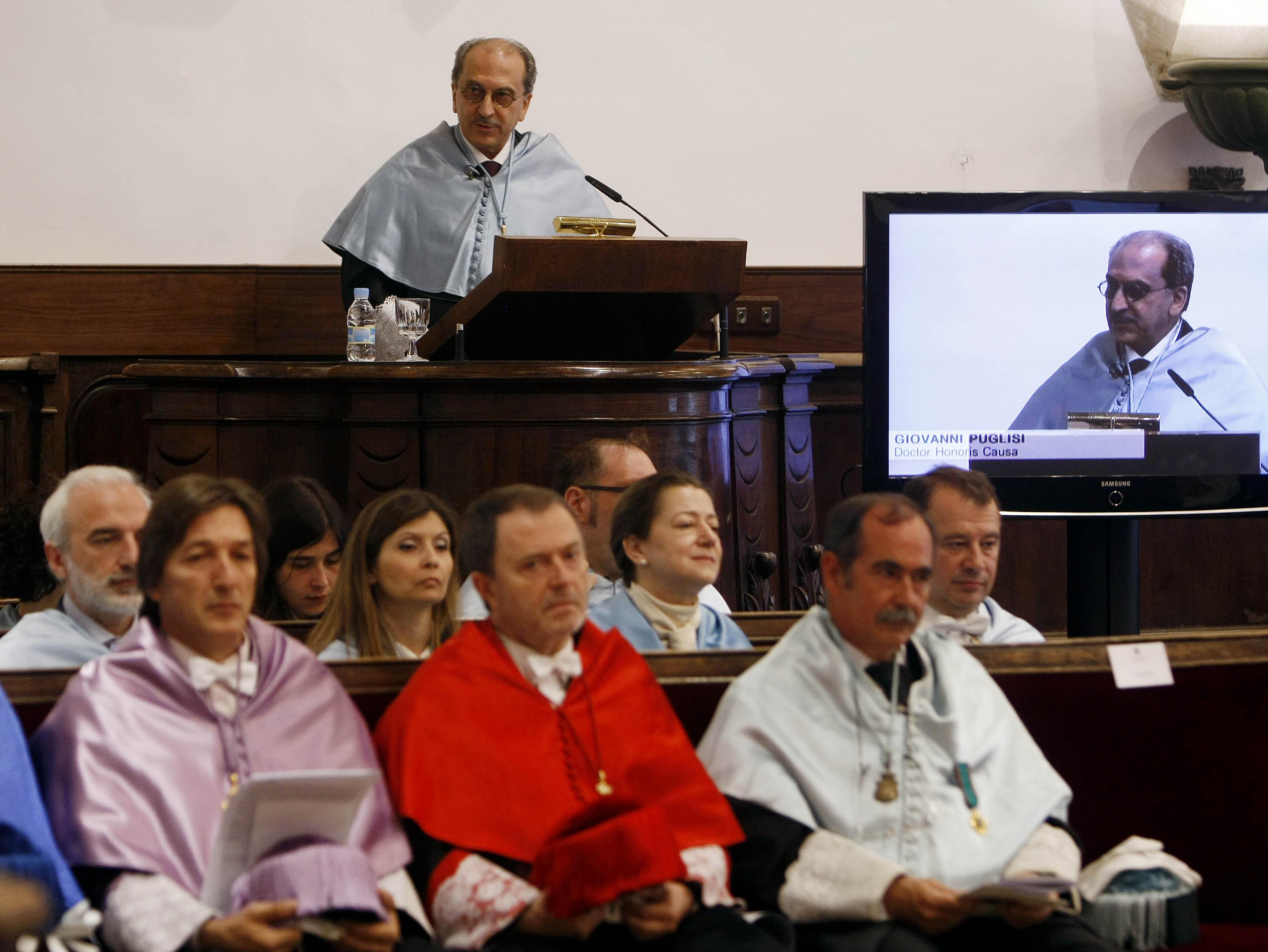 Investidura Doctor honoris causa de Giovanni Puglisi