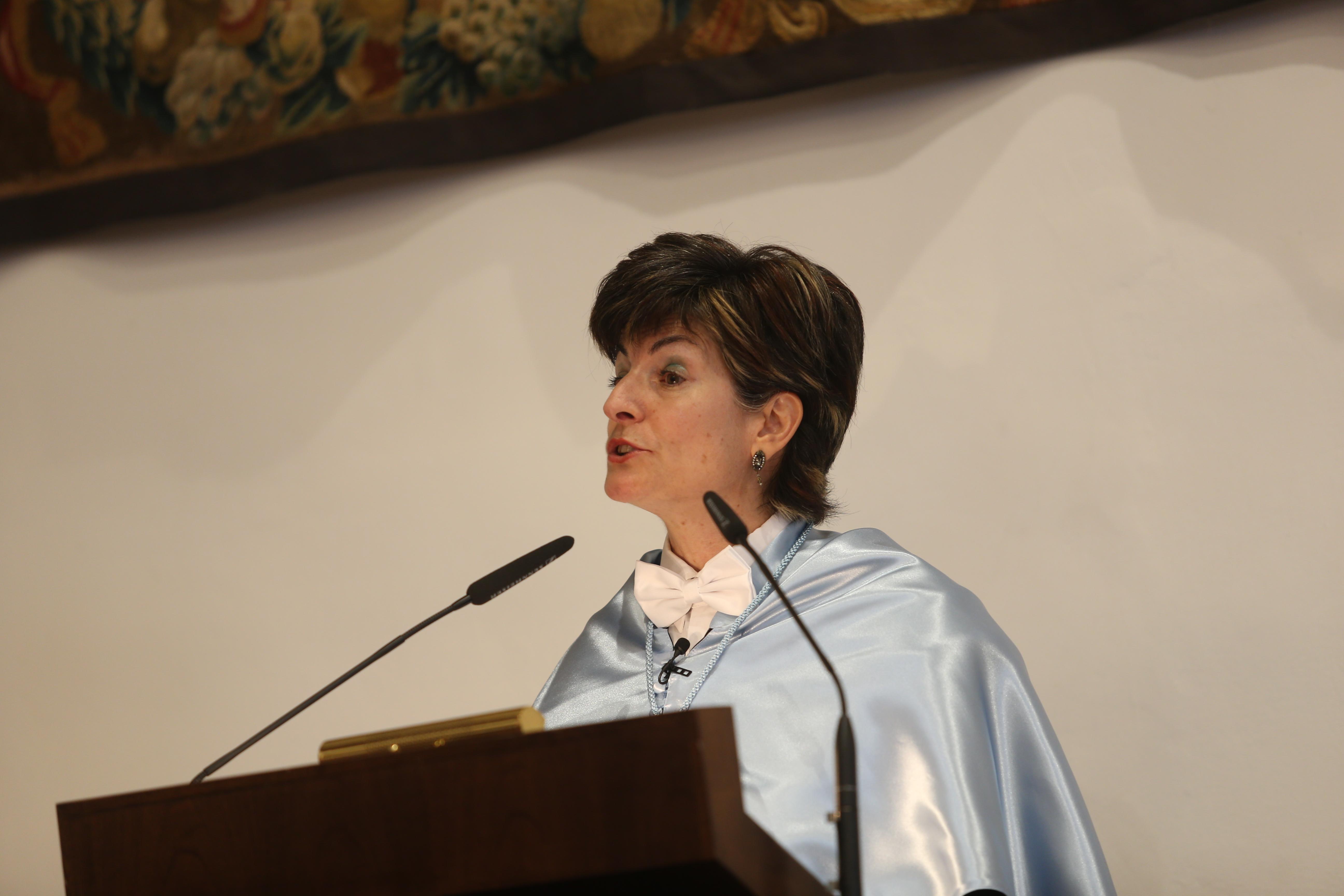 Investidura como doctores honoris causa de Víctor García de la Concha y José Narro