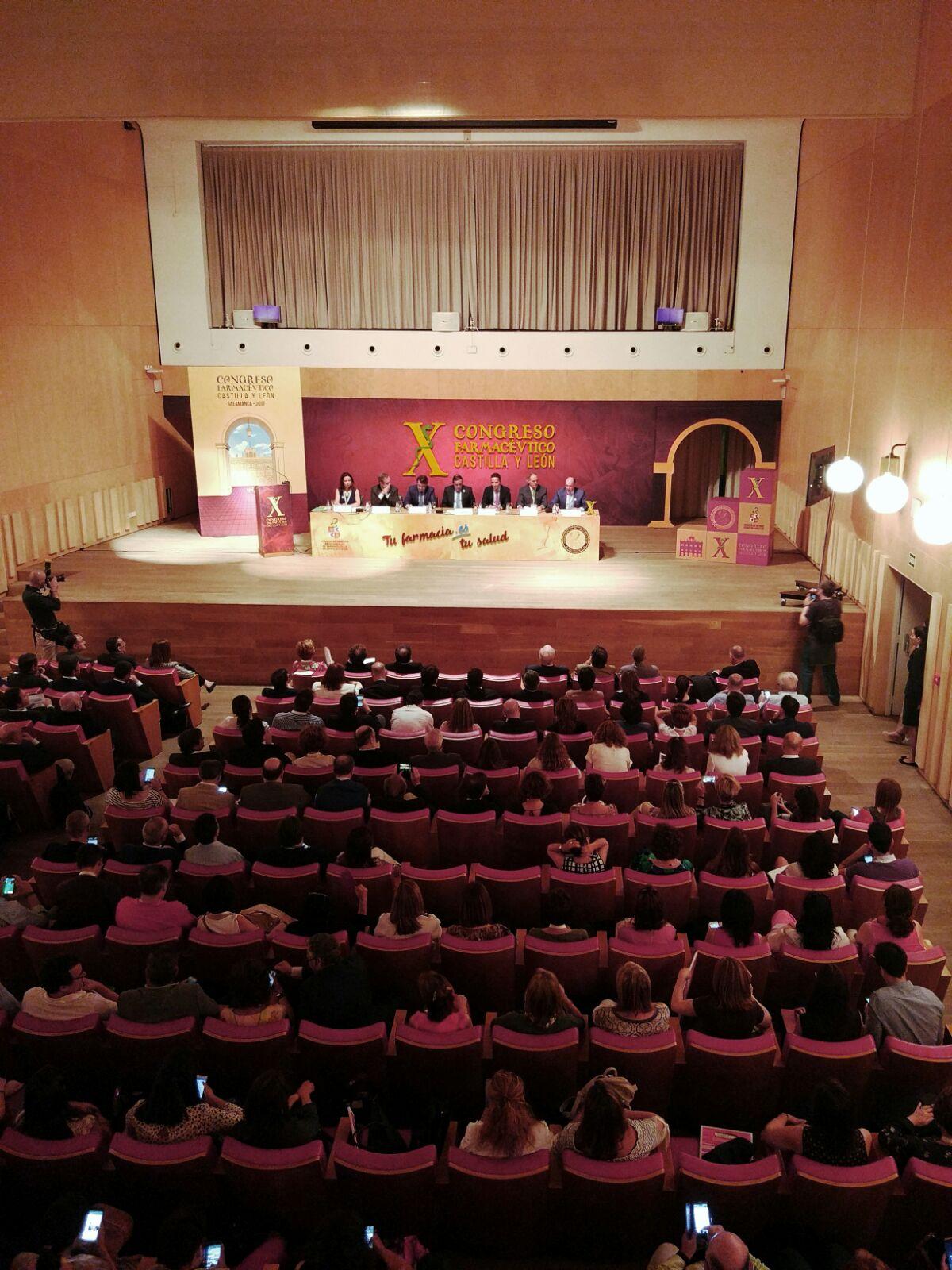 El vicerrector de Investigación y Transferencia asiste a la inauguración del X Congreso Farmacéutico de Castilla y León en la Hospedería Fonseca