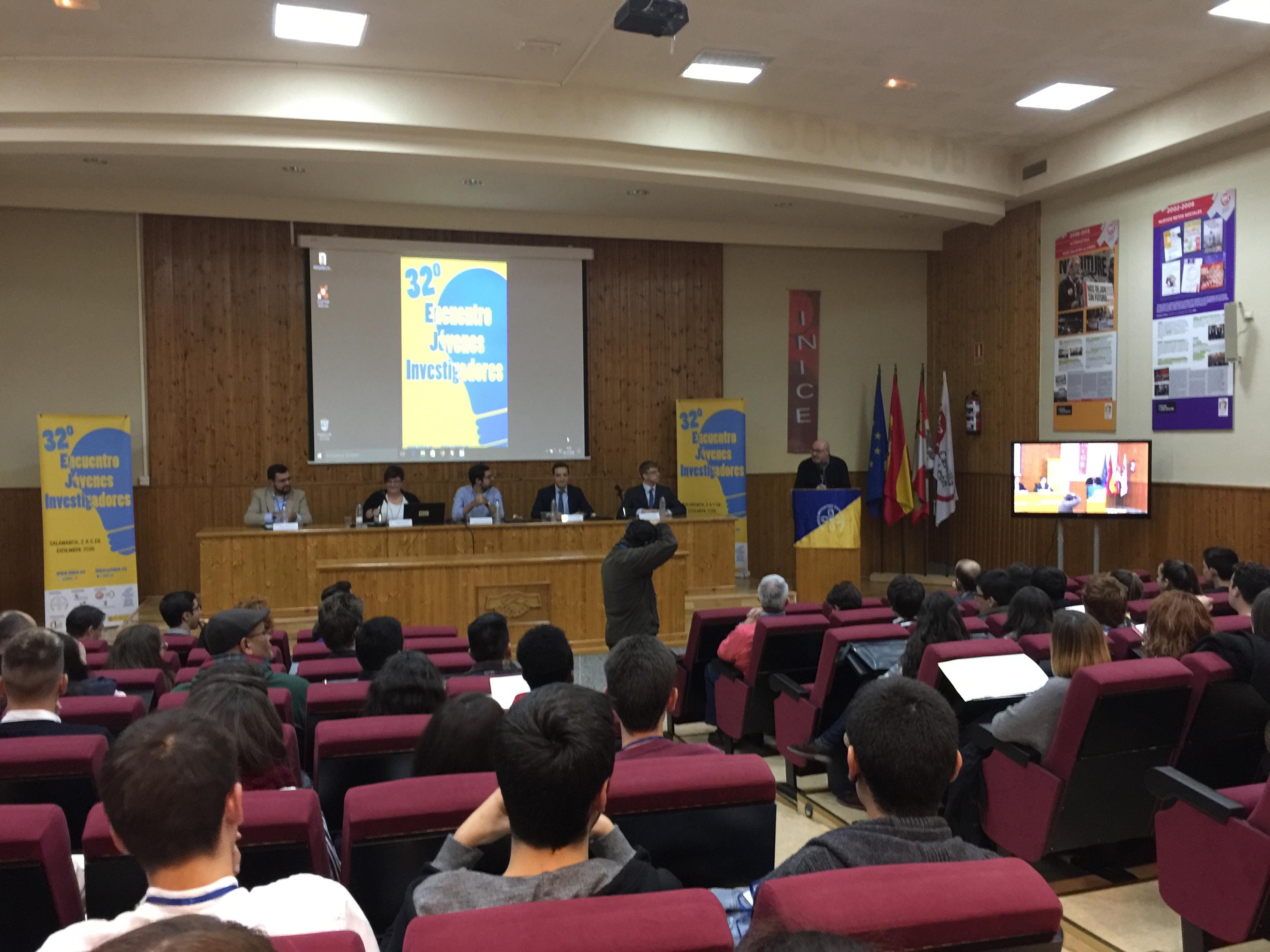 El vicerrector de Investigación y Transferencia de la Universidad de Salamanca, Juan Manuel Corchado, asiste al 32º Encuentro de Jóvenes Investigadores organizado por INICE