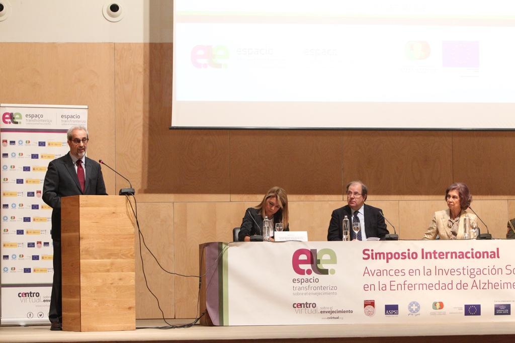 Su Majestad la Reina Doña Sofía inaugura el III simposio internacional 'Avances en la investigación sociosanitaria en la enfermedad de Alzheimer'