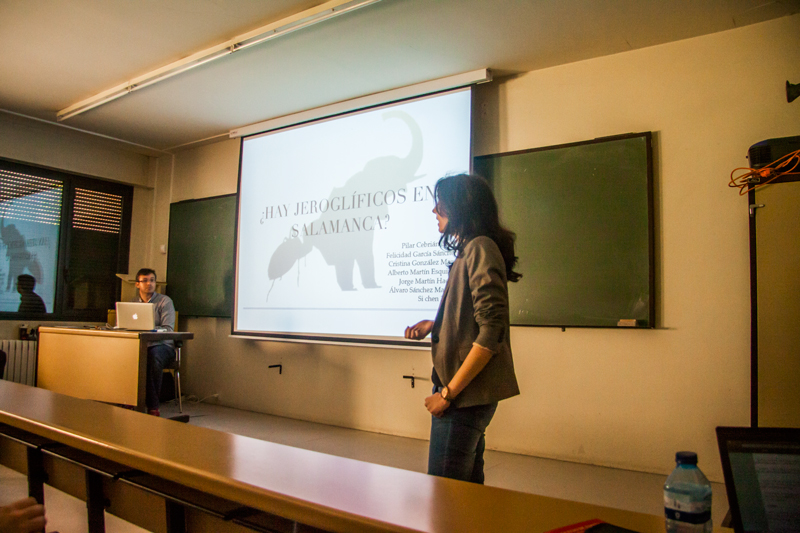 Alumnos de la Universidad de Salamanca participan en un concurso para organizar una exposición sobre los espacios universitarios