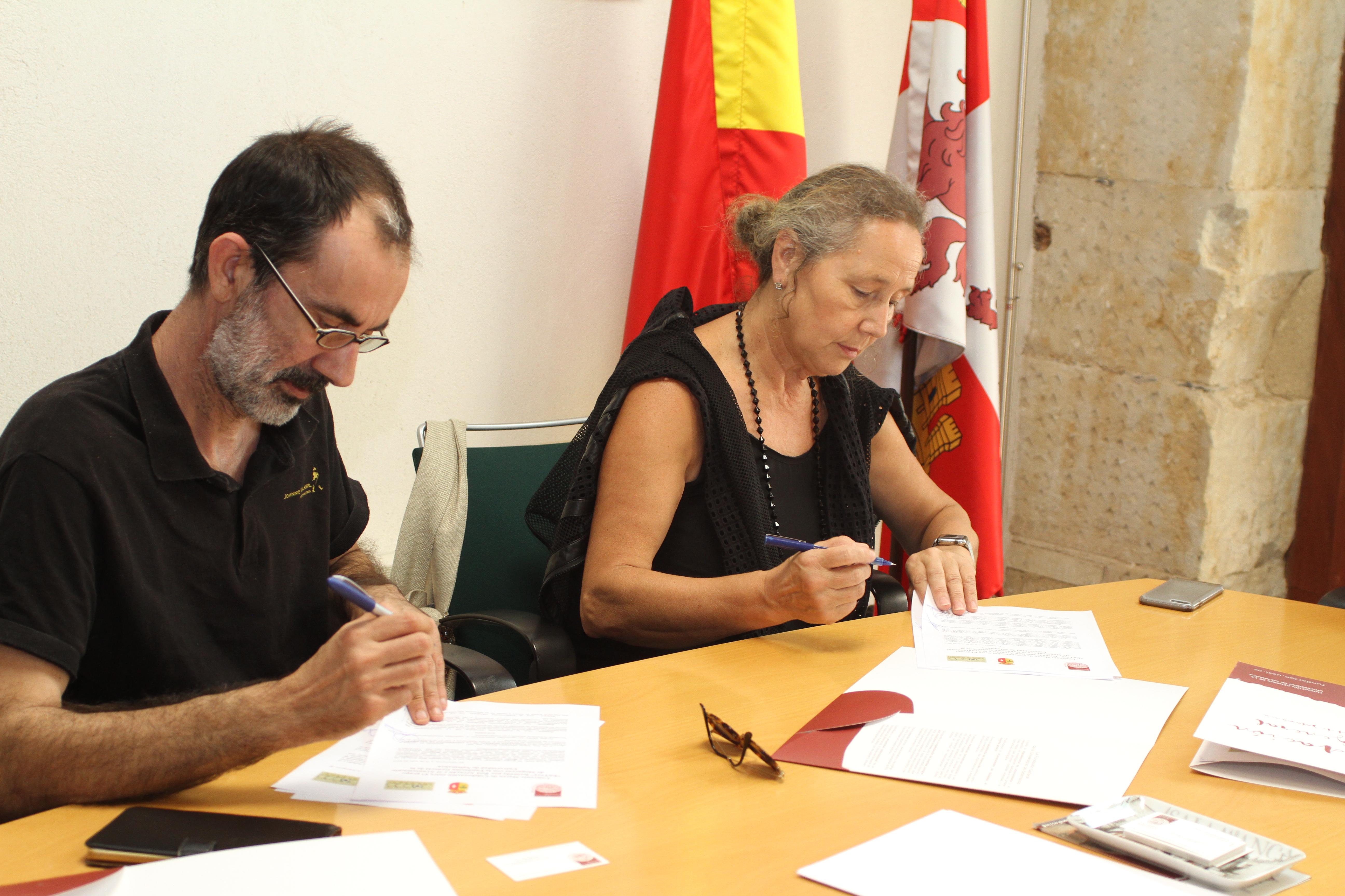 La Fundación General de la Universidad y Red Arrayán impulsan el reconocimiento del bordado popular de la Sierra de Francia como patrimonio inmaterial