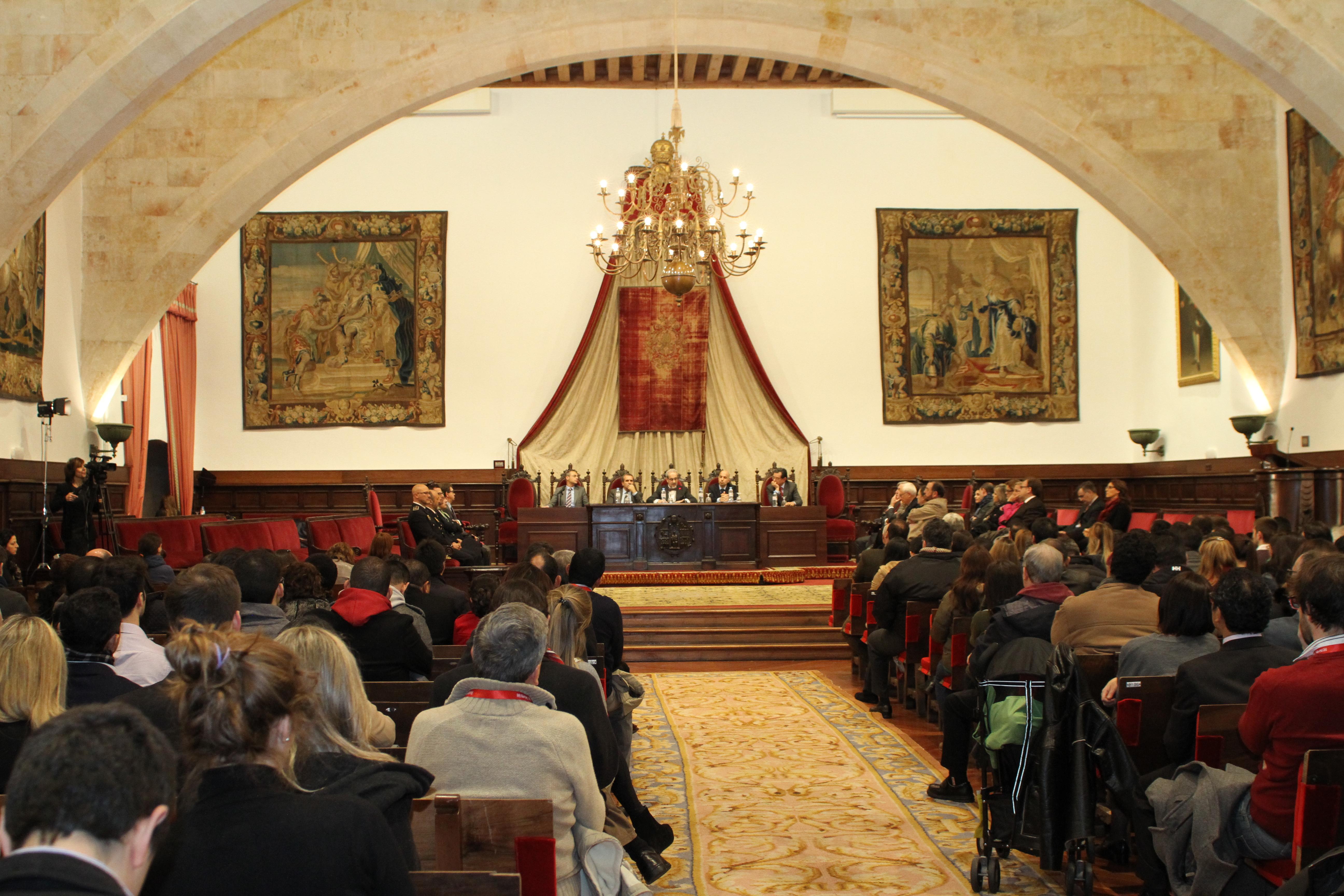 El rector inaugura los XXXVI Cursos de Especialización en Derecho de la Universidad de Salamanca