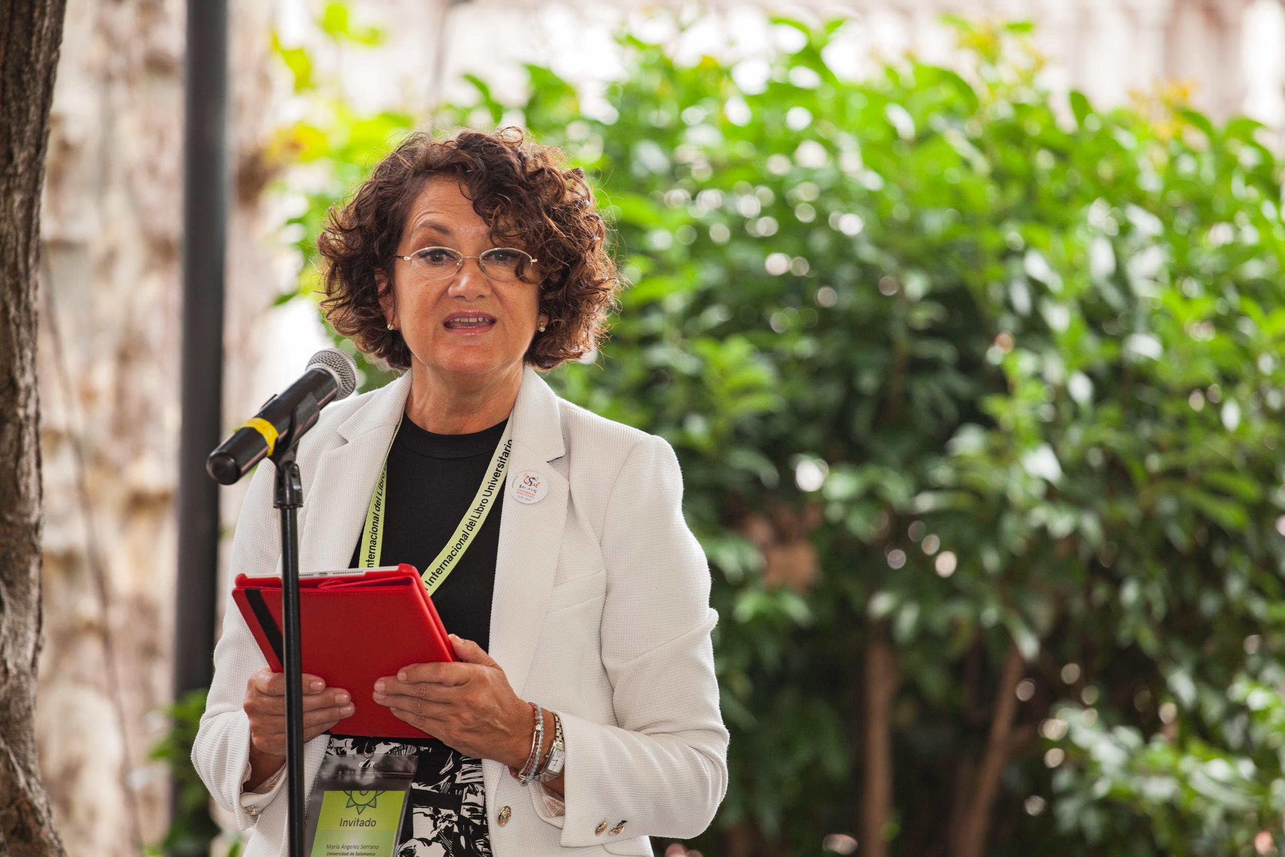 María Ángeles Serrano, durante el acto de entrega de premios.